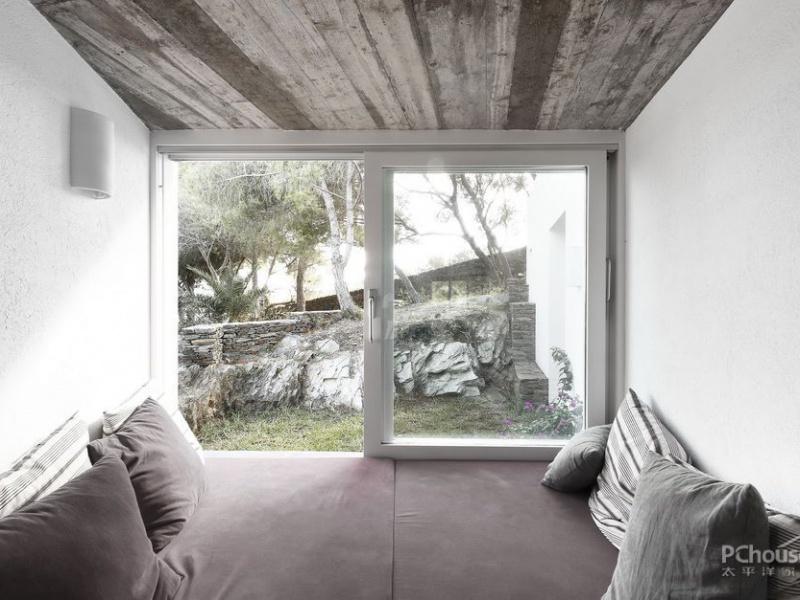 水泥砖的5个优点,你还会说它太平凡?